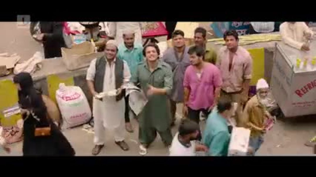 bauua gets beaten up by his father zero comedy scene shah rukh khan