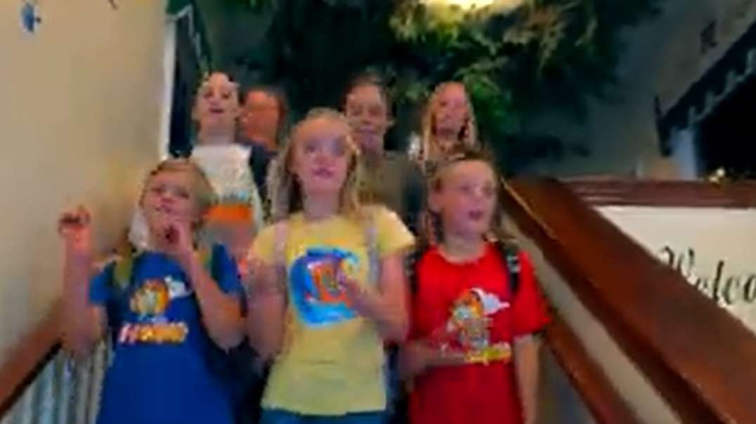 fun in the sun official music video the fun squad sings on kids fun tv h264 33815